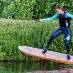 Holzboard zum Foilen von wingrider.eu und Holzbrett