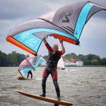 Wingfoiling mit Wingrider macht Spass