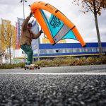 Wingskates auf Longboard und Wing